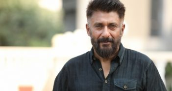 Vivek Agnihotri pays tribute to dying
