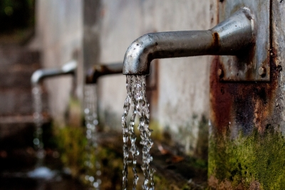 K'taka bypolls: Cong, BJP, JD(S) promise to bring water to