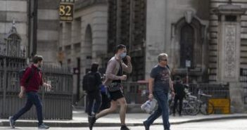 UK records another 16,982 new