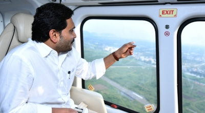 Andhra CM carries out aerial survey