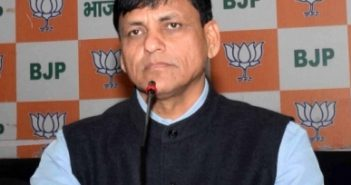 Union Minister pleads voters to save