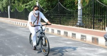 UP minister cycles to