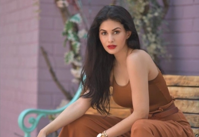 Amyra Dastur recalls starstruck