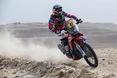 Dakar Rally 2021: Benavides takes