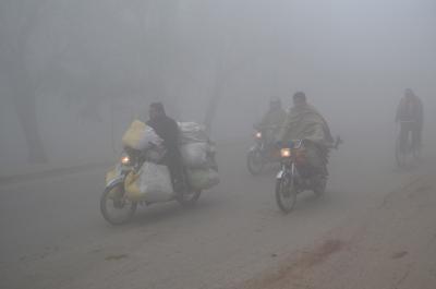 Dense fog, zero visibility in Delhi