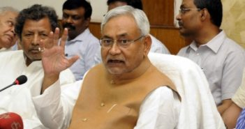 Nitish loses cool after