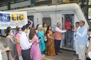 Western Zone, LIC of India donates fully Air Conditioned Police Chowky to Mumbai Police