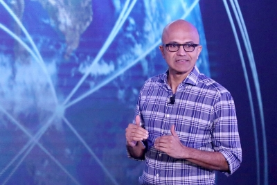 Microsoft joins GM to build self