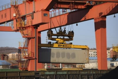 Israel's largest port sets record