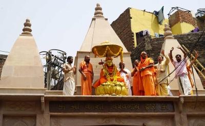 No entry in Kashi Vishwanath's