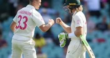 Aussies to bring back batting