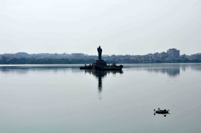 Virus levels in Hyd lakes gave
