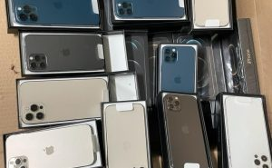 80 iPhones worth over Rs 1 cr