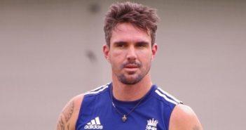 Pietersen to back England