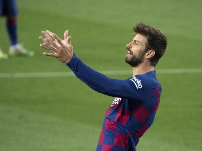 Pique says he'll retire if FC