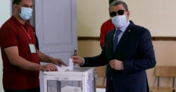 Algerian cabinet resigns after