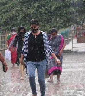 Heavy rains lash Karnataka as