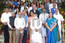 Maharashtra Governor felicitates Doctors from Kutch community of Mumbai